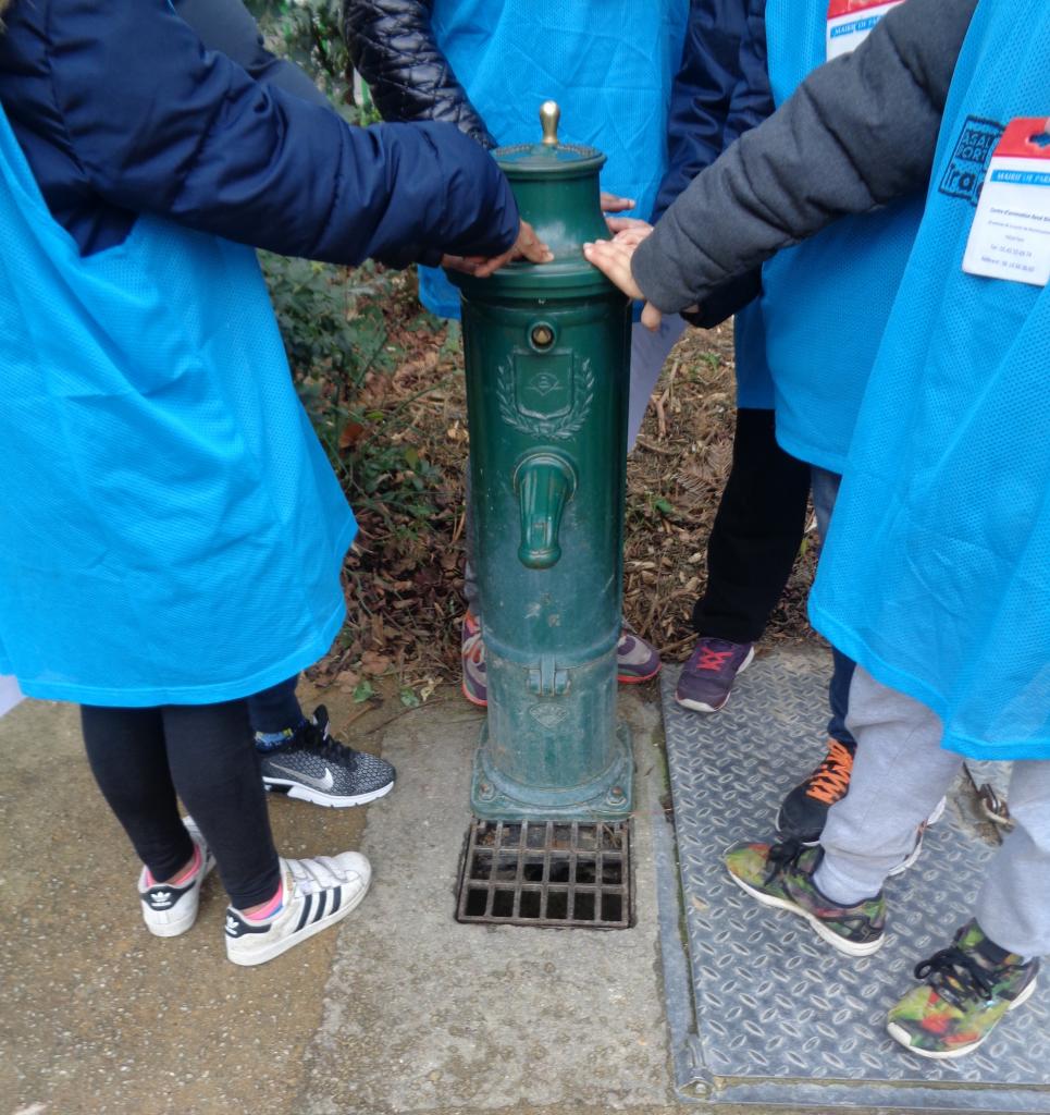 L'eau dans mon quartier, action de sensibilisation à Paris.